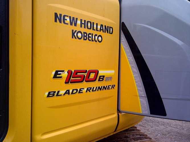 NEW HOLLAND KOBELCO E150BSR BLADE RUNNER VENDUE img-20120505-01143